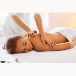 Relaxing massage with botanical oils